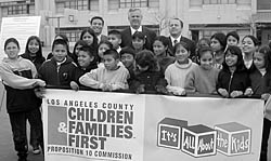 LAUSD School Board President Jose Huizar, Mayor James Hahn, Councilman Ed Reyes, and children of the Westlake neighborhood announce the signing of NSBN's Westlake/Gratts MOU.